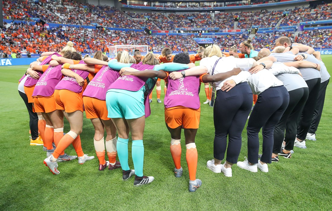 Dutch Team Huddle 2500